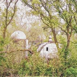 Joan's Home Barn by Curtis Tilleraas