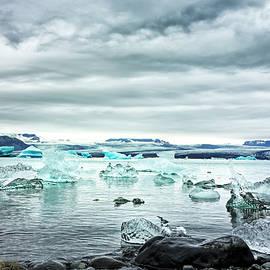 Jokulsarlon Ice Lagoon by Francis Sullivan