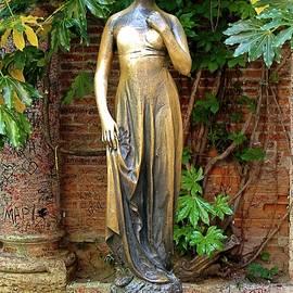 Juliet Capulet, Verona by Joe Vella