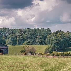 Kentucky Barn 8971 by Guy Whiteley