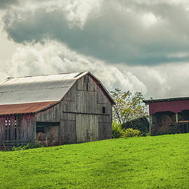 Kentucky Barn 8980 by Guy Whiteley
