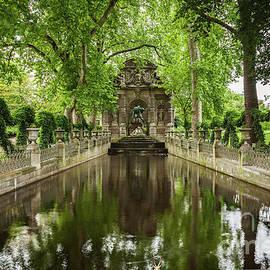 La fontaine Medicis by Robert L Lease Images Lumiere De Liesse Ltd