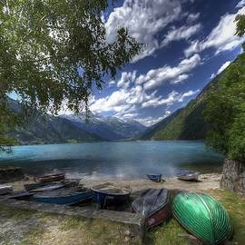 Lago di Poschiavo, Switzerland by Maciek Froncisz