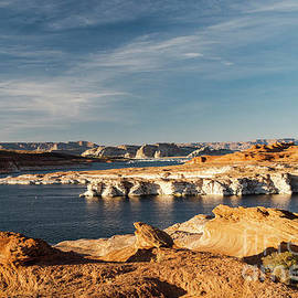 Lake Powell Utah An Amazing Landscape by Wayne Moran
