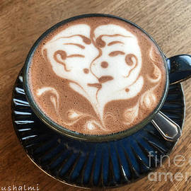 Latte Art - lovers coffee by Noa Yerushalmi
