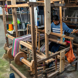 Learning the Complexities of the Loom
