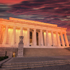 Lincoln Memorial At Dawn, Washington DC by Mike Deutsch