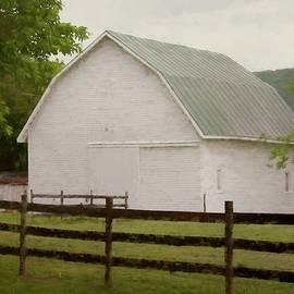 Little White Barn by David Beard