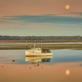 Lobster Boat as Dawn by Jeff Folger