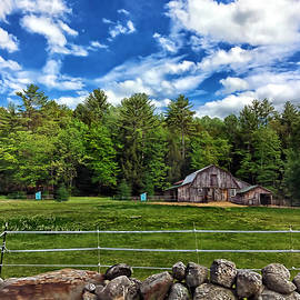 Maine Barn by Catherine Melvin