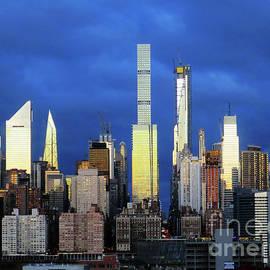 Manhattan Shimmers by Rick Locke