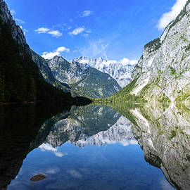 Mirrored by Andreas Levi
