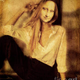 Mona Chills by Hal Halli