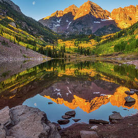 Moon At Maroon Bells by Darren White