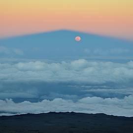 Moonrise in the Shadow of Mauna Kea by Heidi Fickinger