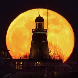 Moonrise Observatory by Jack Milton