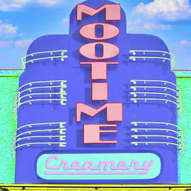 Mootime creamery by Jeff Burgess