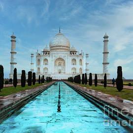 Morning At The Taj by Robin Zygelman