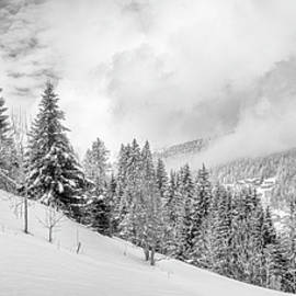 Morzine Valley by Rob Hemphill