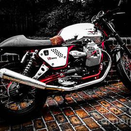 Moto Guzzi V7 Cafe Racer by Joe Mourino
