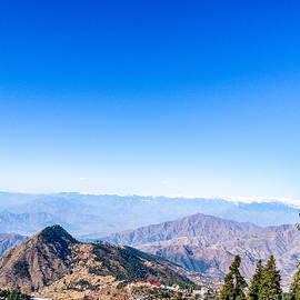Mountain range by Daniyal Ashraf