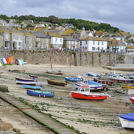 Mousehole Harbour by Rob Hemphill