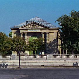 Musee' de l'Orangerie by Lorraine Palumbo