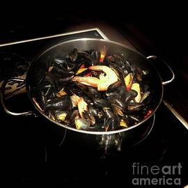 Mussels, Anyone? by Luther Fine Art