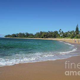 Na Pali Coastline  by Stephanie Hanson