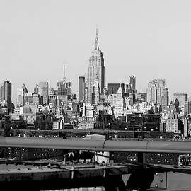 New York Skyline by Lewardeen
