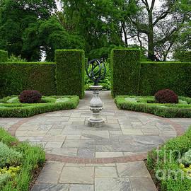 Niagara Falls Botanical Gardens by Rachel Cohen