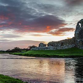 Ogmore Castle by Stephen Jenkins