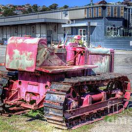 Old Bulldozer by Elaine Teague