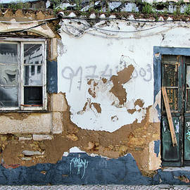 One more payment and its mine - Ruined house in Lagos Portugal by Western Exposure