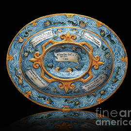 Oval Basin Amadis of Gaul                          by Jerzy Czyz