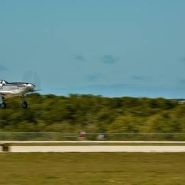 P-51 Mustang Landing by Don Columbus