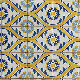 Painted Patterns - Azulejo Tiles in Blue and Yellow - Horizontal Variant by Georgia Mizuleva