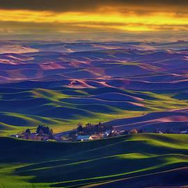 Palouse Farmland 54 by Mike Penney