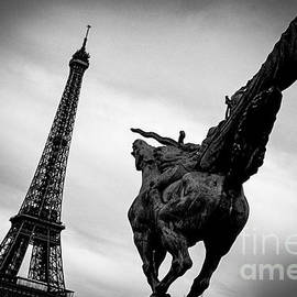 Paris Eiffel  Tower. By Cyril Jayant photography. by Cyril Jayant