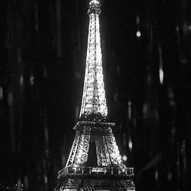 Paris Sous la Pluie - Paris in the Rain by Susan Maxwell Schmidt