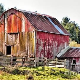 Patchwork Barn by Beautiful Oregon