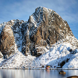 Peaks of Hamnoy, Norway by Jerry Fornarotto