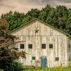 Pennsylvania Star Barn by Janice Pariza