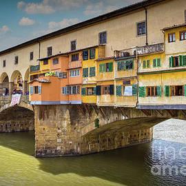 Ponte Vecchio by Viv Thompson
