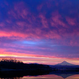 Portland Pink Clouds by Wes and Dotty Weber