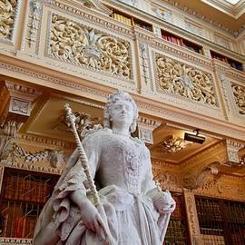 Queen Ann statue, Blenheim Palace, Oxfordshire, England. by Joe Vella