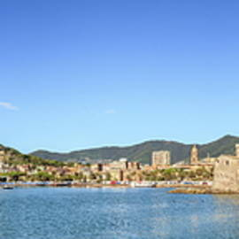 Rapallo panorama by Alexey Stiop