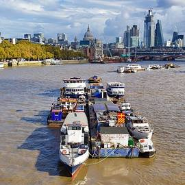 River Thames by Joe Vella