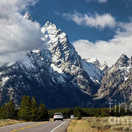 Road to the Mountains by Valentina Gatewood