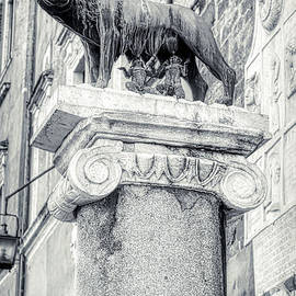 Rome BW - Capitoline Wolf sculpture with Romulus and Remus by Stefano Senise